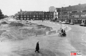 De 'troep' waarin de stilgelegde werkzaamheden op het Lodewijk Napoleonplein resulteerde. Bron foto: Eindhoven in beeld.